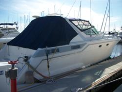 42 foot power boat -- Wellcraft