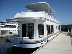 54 foot houseboat -- Skipperliner