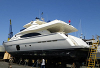 88 foot power boat-- Ferretti