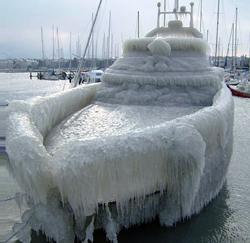 frozen_boat_250[1]