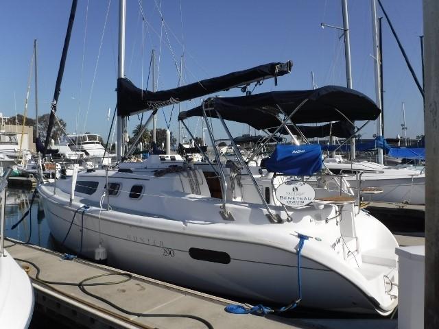 28' Hunter sailboat | Christian & Co