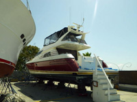 63 foot power boat -- Sunseeker