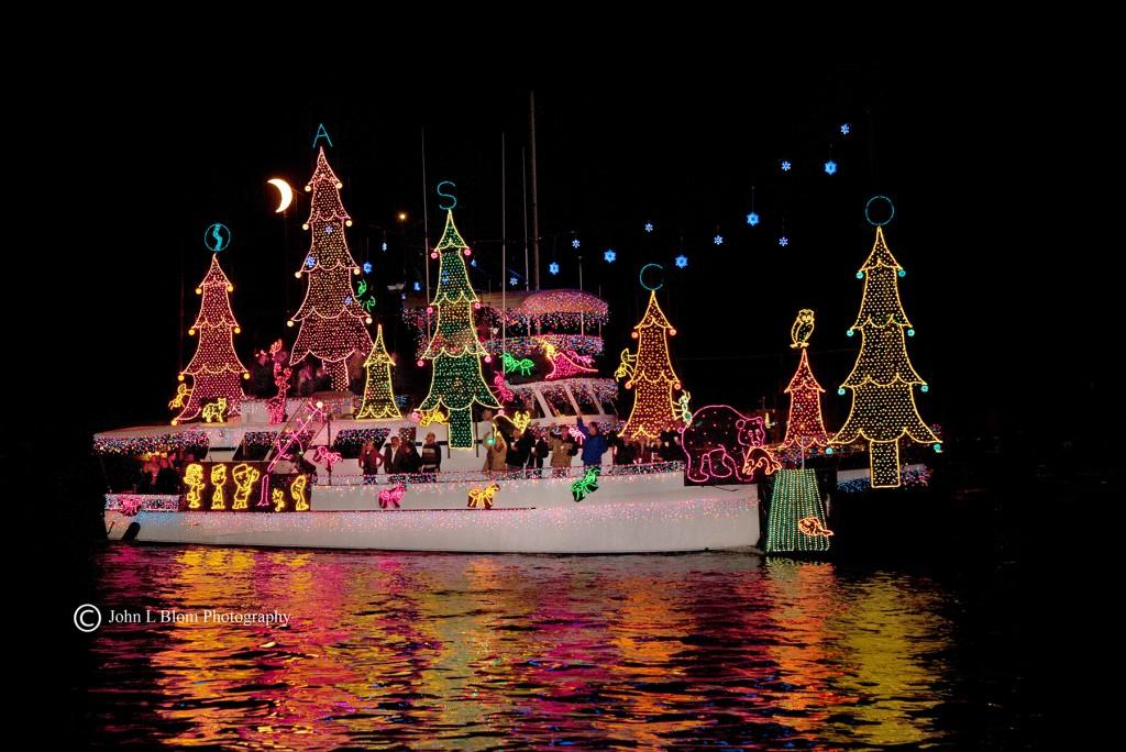 Boat-Parade_Photo-Credit-John-Blom-Photography-1-1024x684[1]